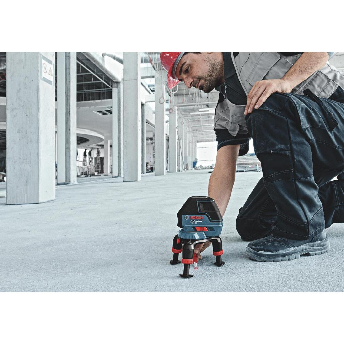 Bosch 165 Ft. Self-Leveling 360 Degree 3-Plane and Alignment Line Laser Level with Layout Beam Image 3